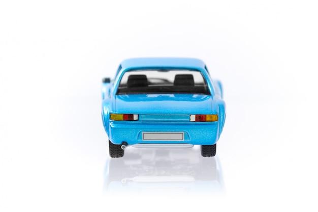 Belle voiture modèle vintage et rétro bleue avec profil arrière Photo Premium