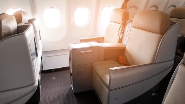 Belle vue de la classe affaires de l'avion Photo Premium