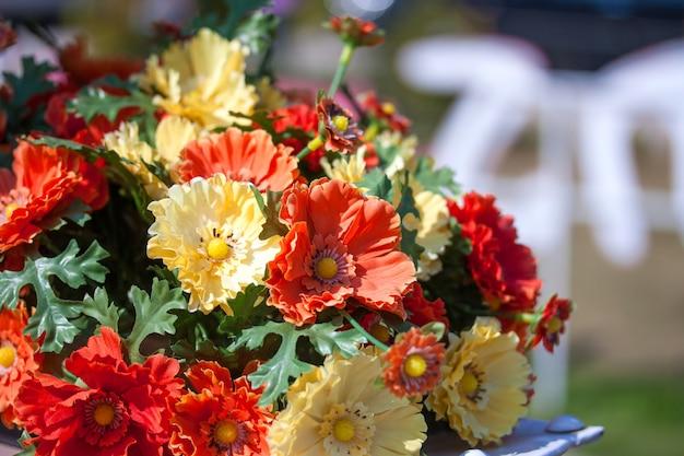 Belles Couleurs De Fleurs En Plastique Photo Premium