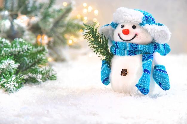 Belles Décorations De Noël Avec De La Neige Photo Premium