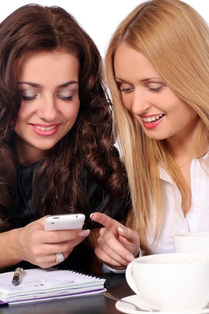Belles femmes jeunes et attrayantes Photo gratuit