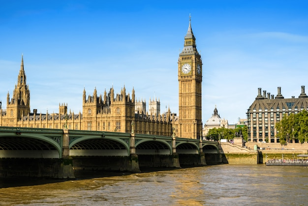 Big ben et la chambre du parlement, londres, royaume-uni Photo Premium