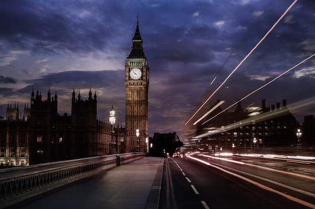 Big ben clock tower à londres en angleterre Photo Premium