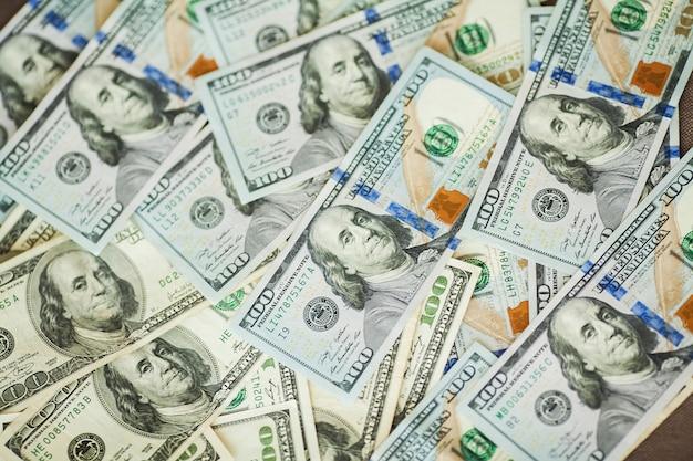 Billets D'argent Américains De 100 Billets Américains Photo Premium
