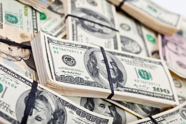 Billets de banque en dollars américains Photo gratuit
