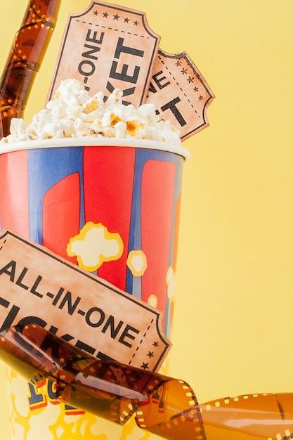 Billets De Cinéma, Bandes De Film Et Pop-corn Photo Premium