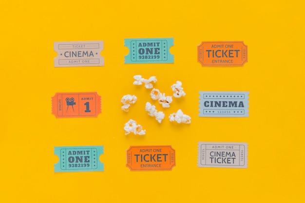 Billets De Cinéma Avec Pop-corn Photo gratuit