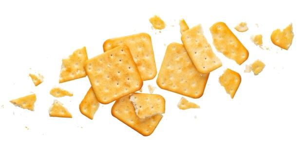Biscuit cassé isolé sur fond blanc, vue de dessus Photo Premium