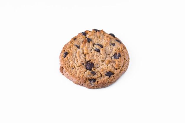 Un biscuit maison au chocolat isolé Photo Premium