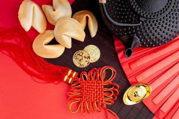Biscuits De Fortune Et Pendentif Nouvel An Chinois Photo gratuit