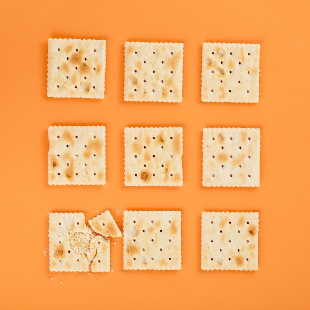 Biscuits Graham Sur Fond Orange Photo gratuit