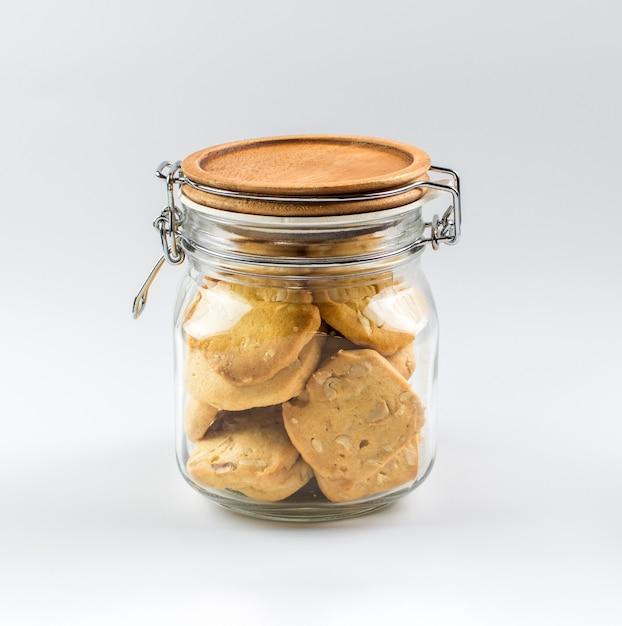 Biscuits maison dans un bocal en verre. Photo Premium