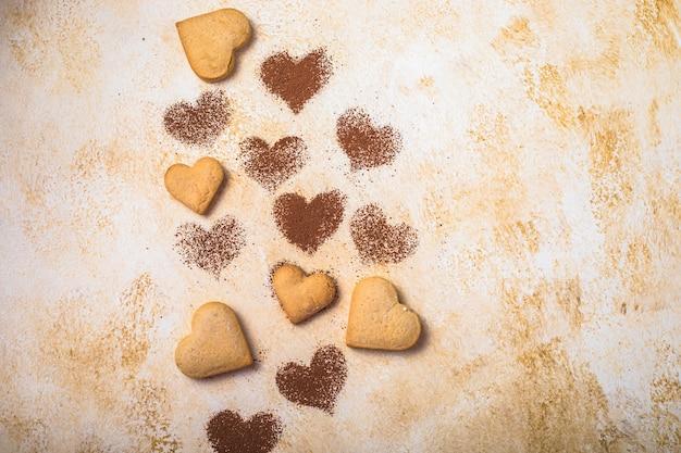 Biscuits Sucrés En Forme De Coeurs Pour La Saint Valentin Photo Premium