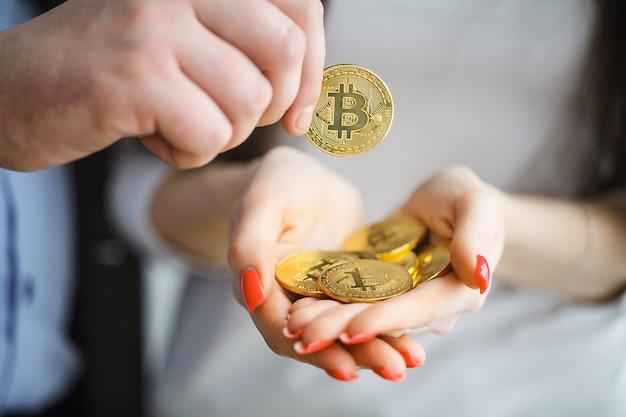 Bitcoin en croissance, nouvelle monnaie virtuelle Photo Premium