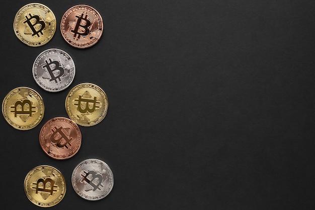 Bitcoin De Différentes Couleurs Avec Espace De Copie Photo gratuit