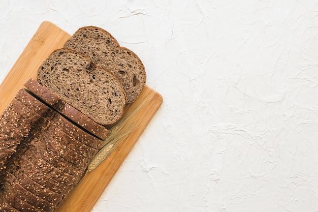 Blé près de pain coupé Photo gratuit