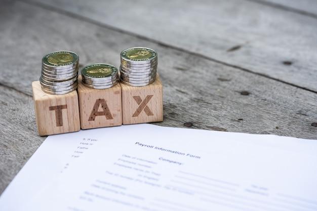Blocage de mot tax sur le formulaire d'informations de paie. Photo Premium