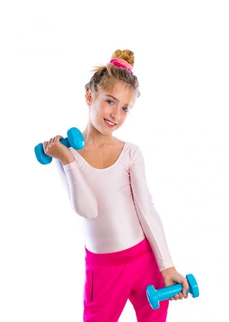 Blonds fitness kid filles exercice haltères séance d'entraînement Photo Premium
