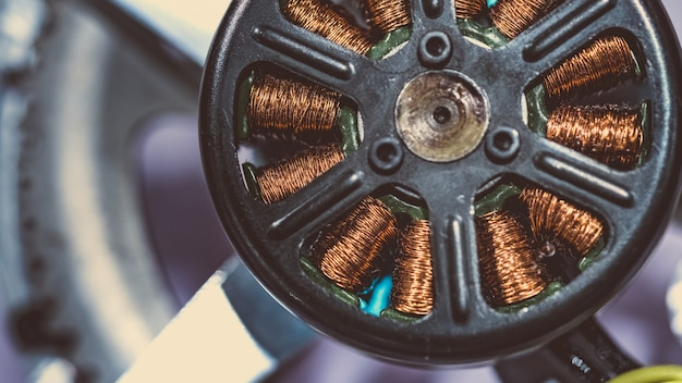 Bobine électrique de solénoïde robotique Photo Premium