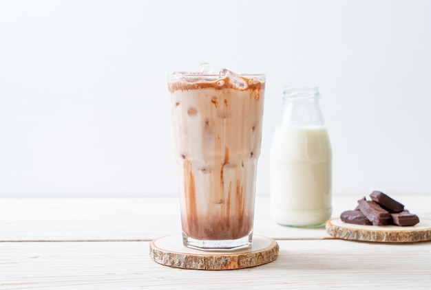 Boisson au lait glacé au chocolat Photo Premium