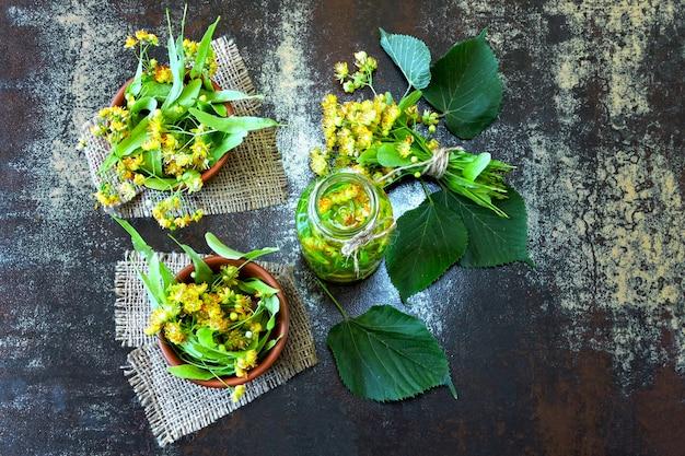 Boisson détox estivale à la lime. thé froid à la lime régime céto. keto boissons. Photo Premium