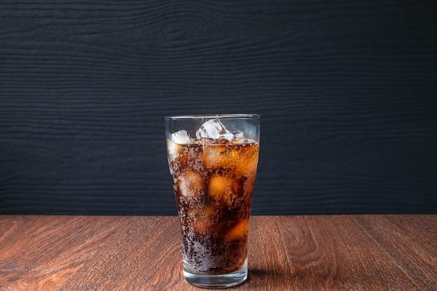 Boissons Au Cola Et Boissons Gazeuses Noires Photo Premium