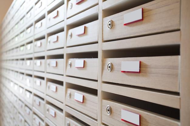 Boîte aux lettres et salle aux lettres Photo Premium