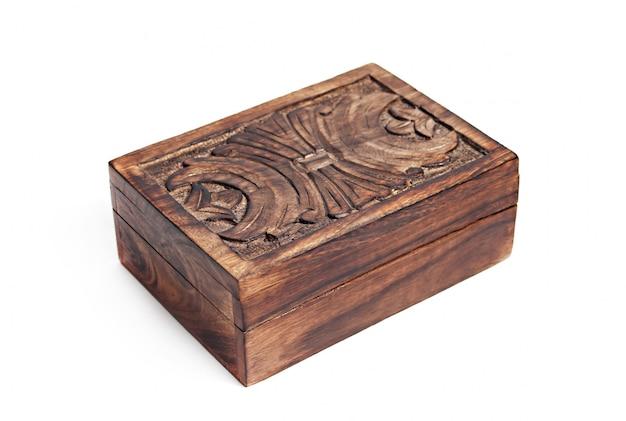 Boîte en bois vintage isolée Photo Premium