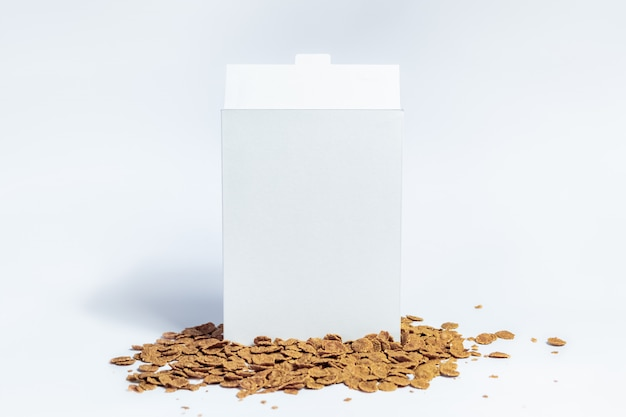 Boîte De Céréales Génériques Blanches,. Paquet De Petit Déjeuner Instantané Carton Blanc Sur Blanc Photo Premium