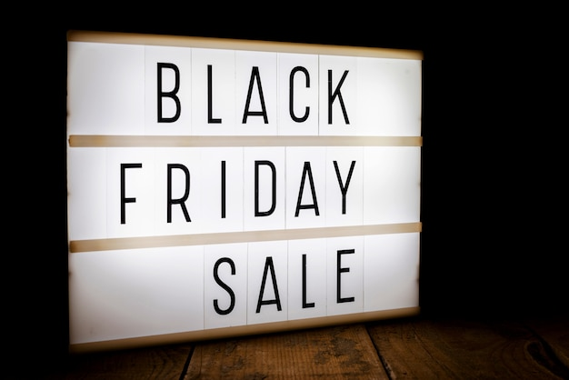 Boîte à lumière vente vendredi noir Photo gratuit