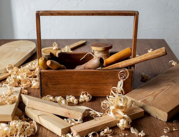 Boîte à Outils En Bois Et Sciure Photo gratuit