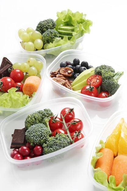 Boîtes à Lunch Avec Des Aliments Sains   Photo Gratuite