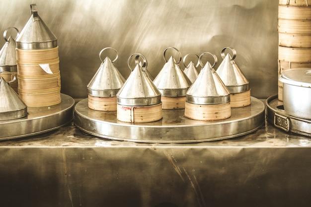 Boîtes de nourriture asiatique vapor Photo gratuit