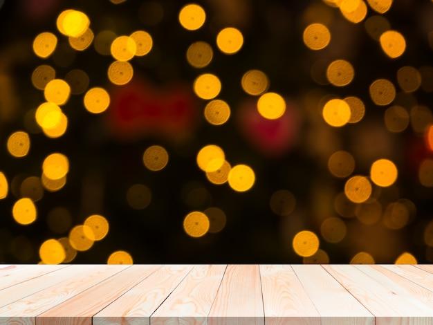 Bokeh Pour Le Concept De Bonne Année 2021. Table En Bois Vierge Sur Flou Abstrait Bokeh Pour Le Fond. Photo Premium