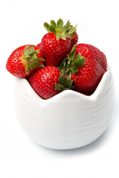 Bol avec fraise rouge Photo Premium