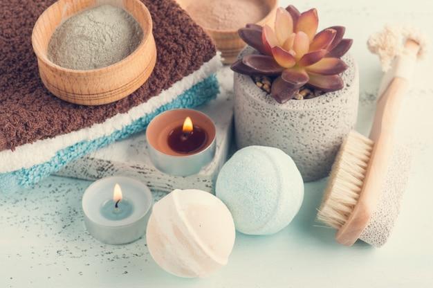 Bombes de bain et poudre d'argile marocaine Photo Premium