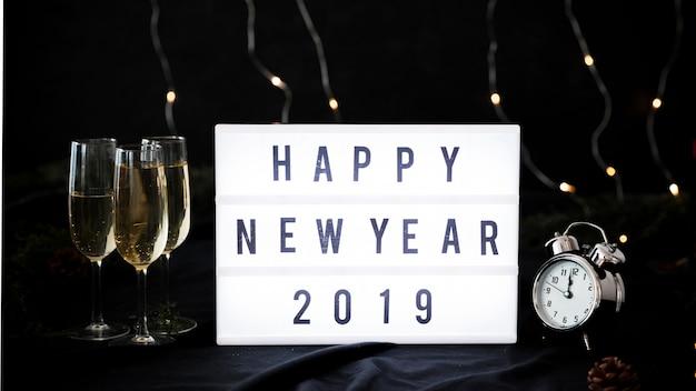 Bonne année 2019 inscription à bord Photo gratuit