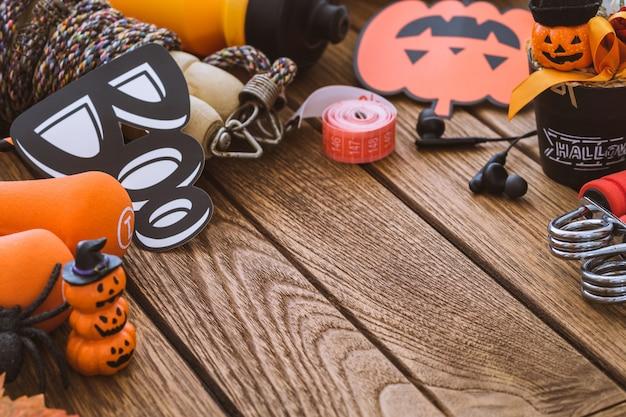 Bonne fête d'halloween avec remise en forme, exercice, travailler sur fond de mode de vie sain Photo Premium