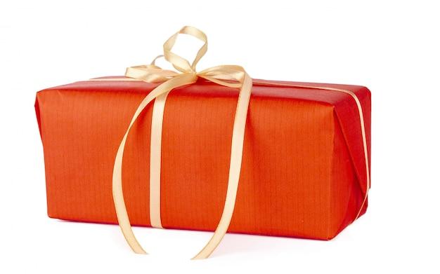 Bouchent la boîte de cadeau isolé sur fond blanc Photo Premium