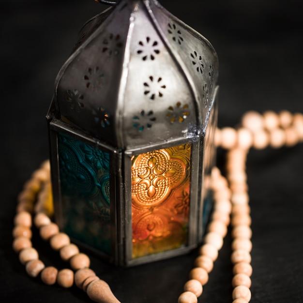 Bougie De Gros Plan Le Jour Du Ramadan Photo gratuit