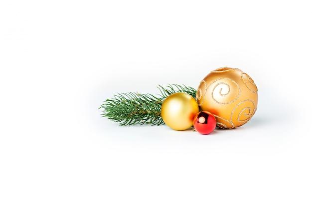 Boules De Noël Or Isolés Photo gratuit