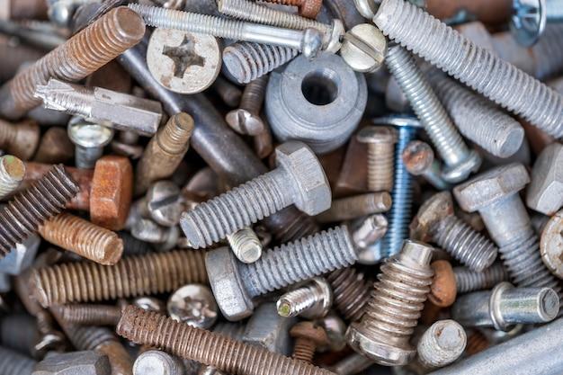 Boulons métalliques de différents diamètres Photo Premium
