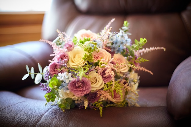 Bouquet De Belles Fleurs Photo Premium