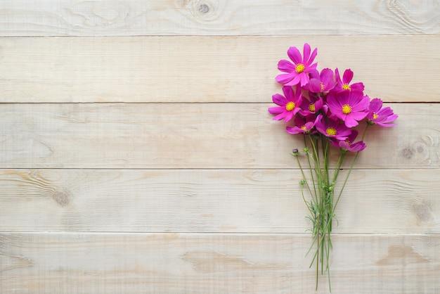 Bouquet de fleur cosmos Photo Premium