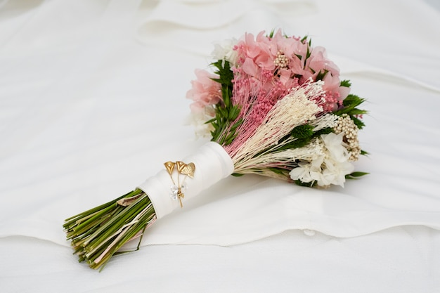 Bouquet De Fleurs Romantique Photo Premium