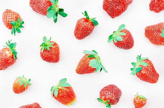 Bouquet de fraises mûres Photo gratuit