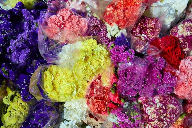 Bouquets de fleurs colorées Photo Premium