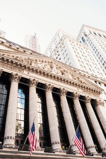 Bourse de new york et bâtiments de wall street Photo gratuit