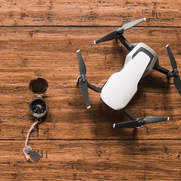 Boussole située près du drone Photo gratuit