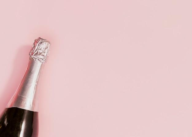 Bouteille De Champagne Non Ouverte Au Nouvel An Photo gratuit